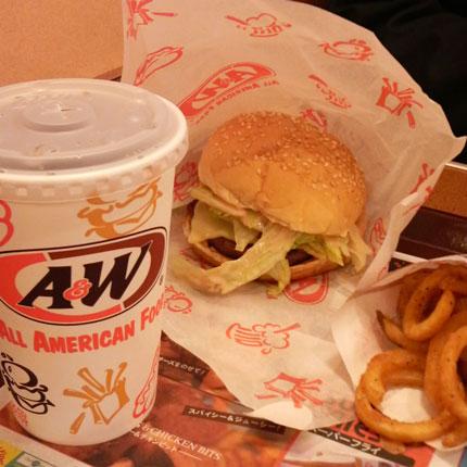 A&Wのハンバーガーセット